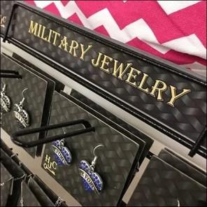 Military Jewelry Table-Top Loop Hook Rack