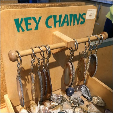 Key-Chain Plywood-Bin T-Hook Display
