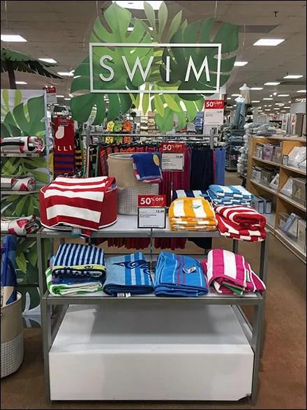 Tropical-Tree Towel Visual Merchandising