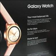 Samsung Galaxy Wristwatch Pallet Display