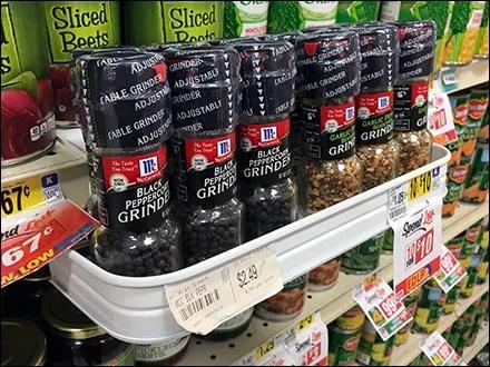 Pepper Wrap-Around C-Channel Shelf-Edge Tray