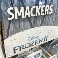 Disney-Frozen Smackers Lip-Balm Display