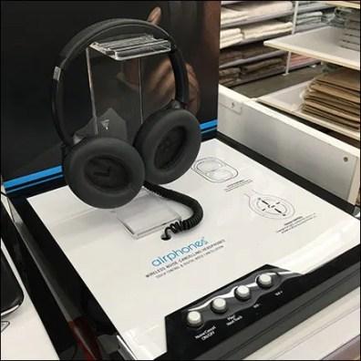 Brookstone Noise-Canceling Airphone Headphone
