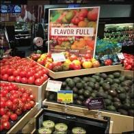 Market 32 Multilevel Tomatoes Display