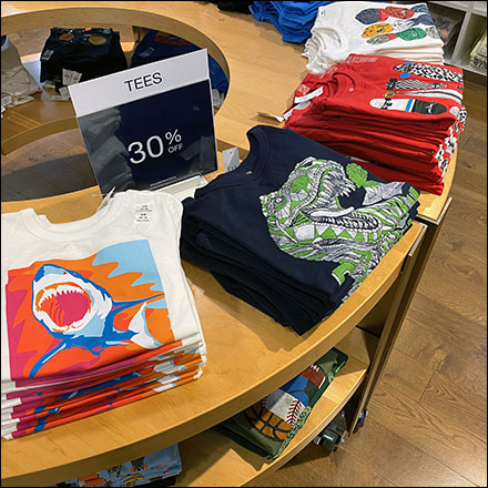 Circular Island T-Shirt Display