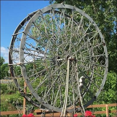 Garden Center Floral Ferris-Wheel