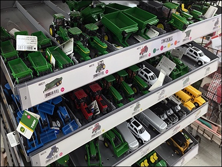 John Deere Mass-Merchandising-Miniatures