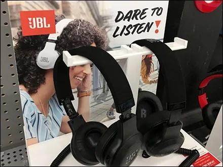 Dare-To-Listen JBL Headphone T-Stand