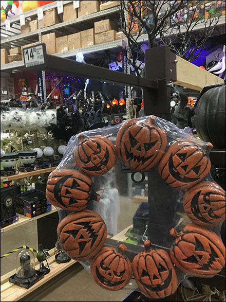 Halloween Wreath Vertical Saddle-Mount Faceouts