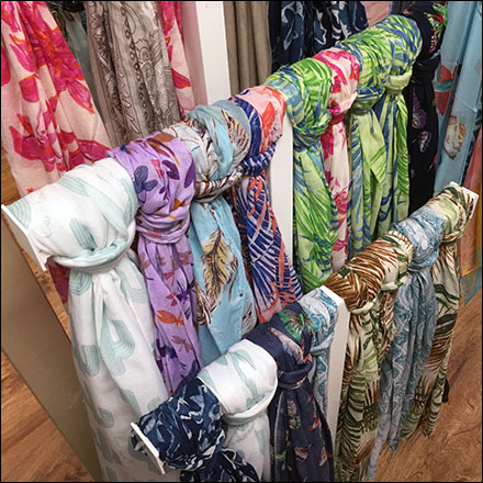 Knotted-Scarf Floor T-Stand Display