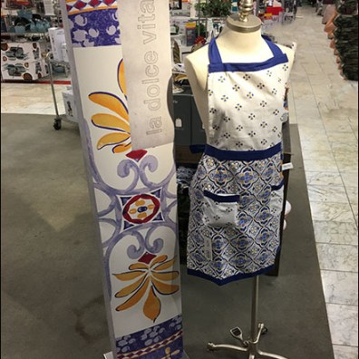 La Dolce Vita Apron Dressform Display