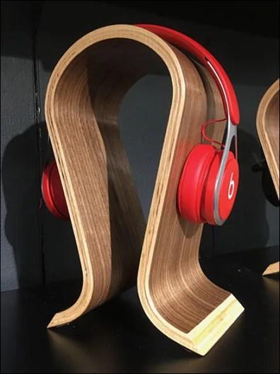 Curvilinear Headphone Head-Form Display