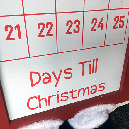 Days-Til-Christmas Magnetic Scheduling Board