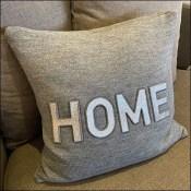Loveseat Furnishings Pillow Prop