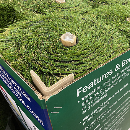 Grab-And-Go Artificial Grass Pallet Display