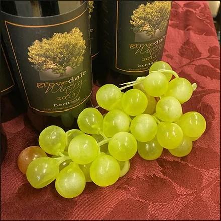 Fine-Wine Moon-Ball Grape Props
