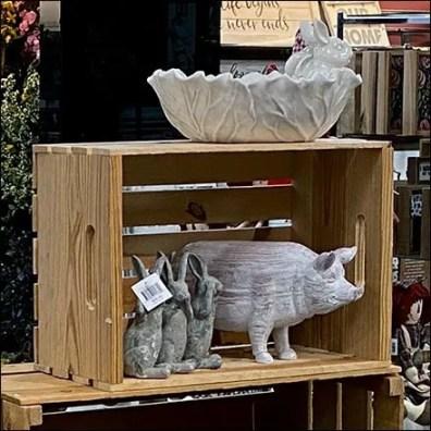 Country-Home Barnyard Pig Acrylic-Riser
