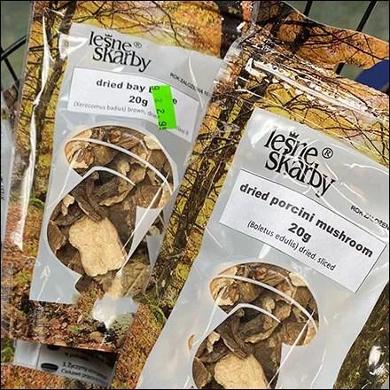 Dried-Mushroom Carry Basket Display