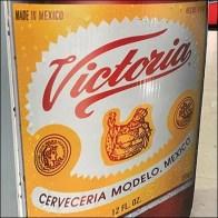 Modelo Victoria Bollard Advertising