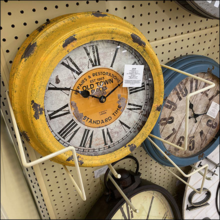 Small Old-Town-Clock Literature Holder