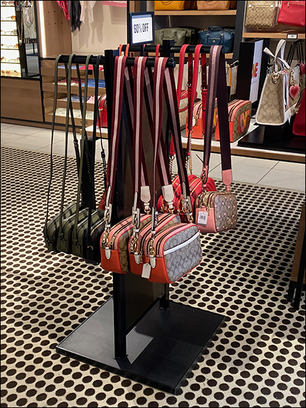 Coach Freestanding Purse T-Stand Tower