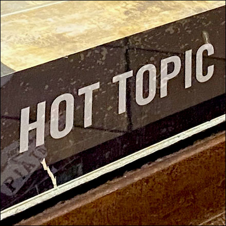 Download Hot-Topic App Today Cling