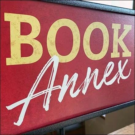 Barnes & Noble Store Fixtures - Barnes & Noble Store Entry Book Annex