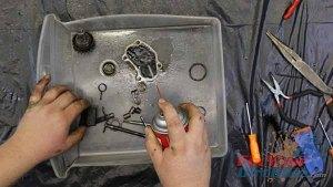 1997 - 2001 Honda CR250 - Top End Service - Part 8 - Exhaust Valve Inspection - Clean