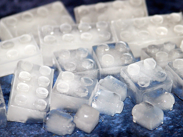 Ice cube trays (16)
