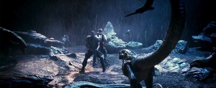 new-riddick-featurette-explores-the-hostile-environment-15