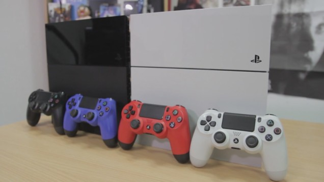 White PlayStation 4 (1)
