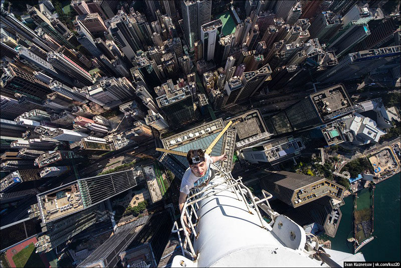 photos-that-look-straight-down-from-perilous-heights-by-ivan-kuznetsov-1