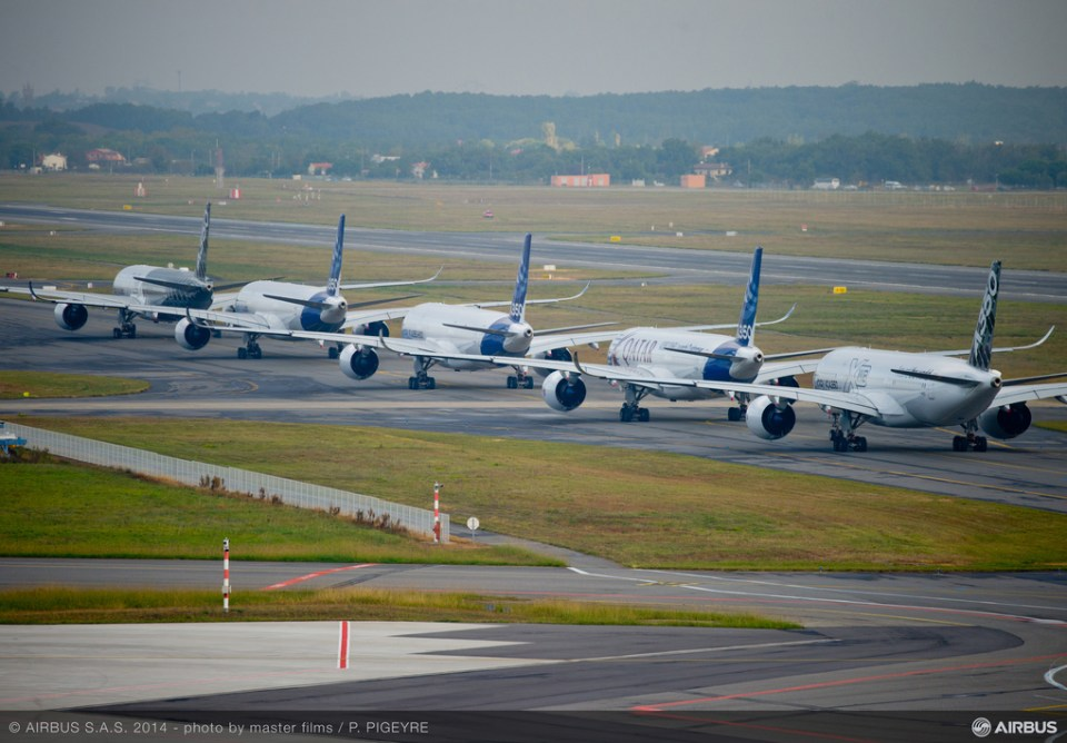 5 Airbus 350 Formation Flight Is Brilliant To Look At