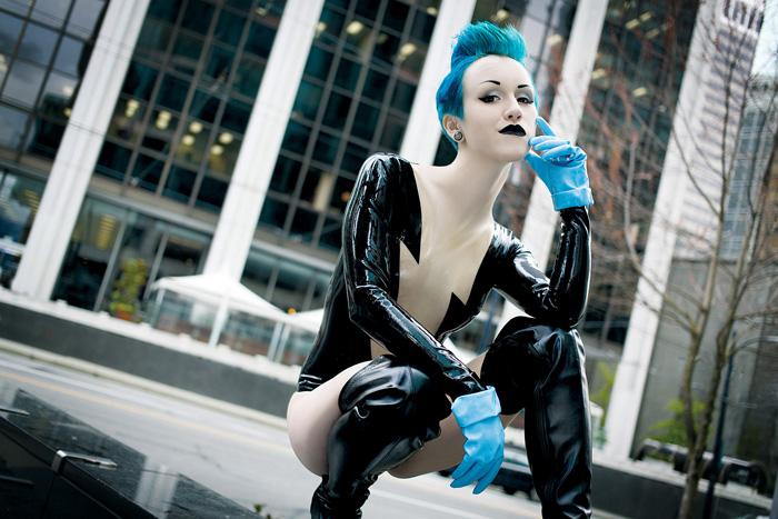 DC Comics Villain Livewire Cosplay (3)