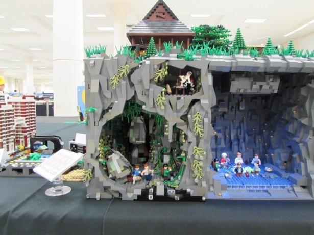 LEGO Diorama of THE GOONIES