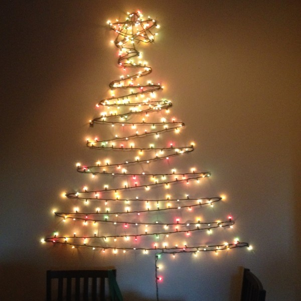 11 Creatively Alternative Christmas Trees This Season (7)