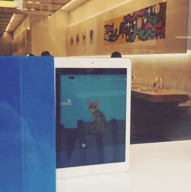 Apple Using Dark Magic On It's London Store Display To Lure Customers