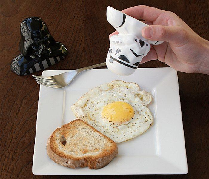 Star-Wars-Salt-Pepper-Shakers-01