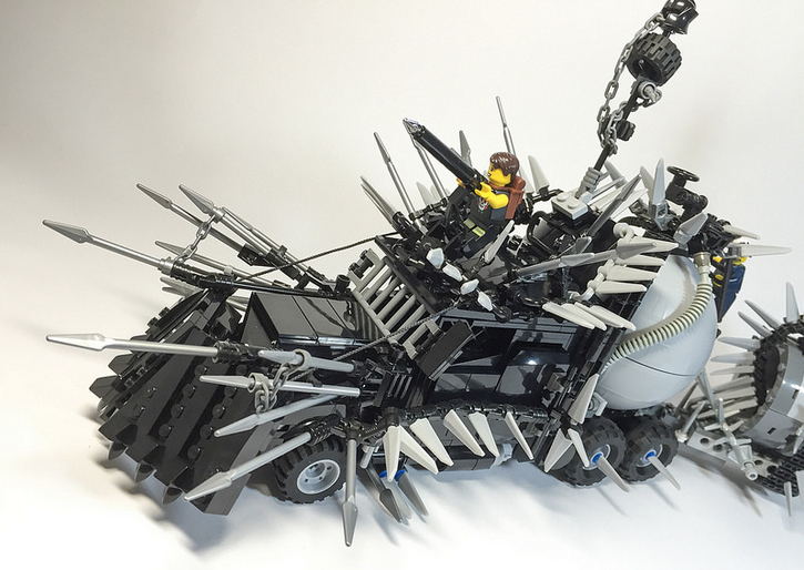 custom-mad-max-fury-road-vehicles-made-from-legos15