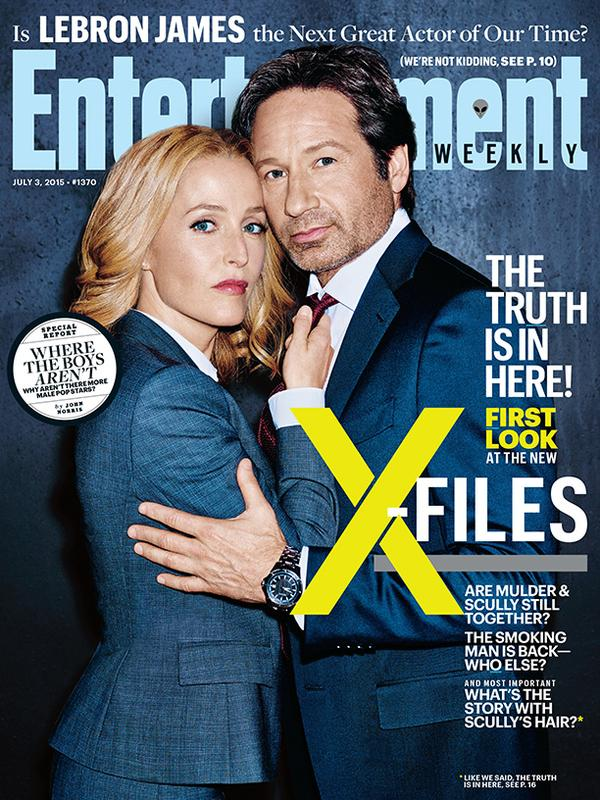 THE X-FILES' Agents Mulder and Scully on the Cover of EW