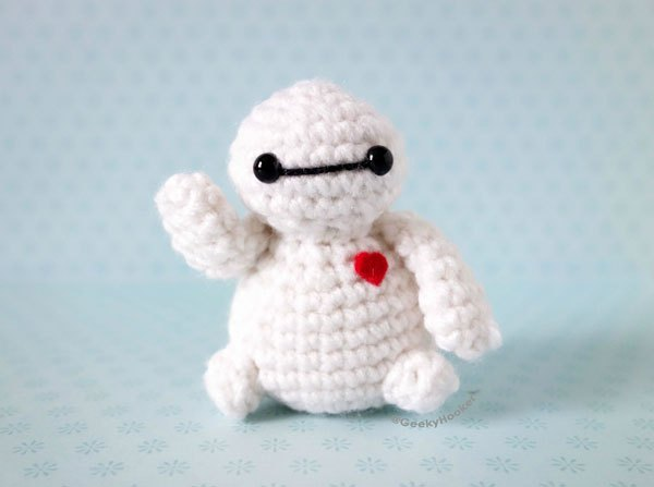 Artist Hides Mini Crochet Characters for People to Find at Comic-Con