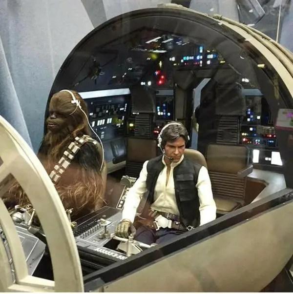 hot toys falcon cockpit (5)