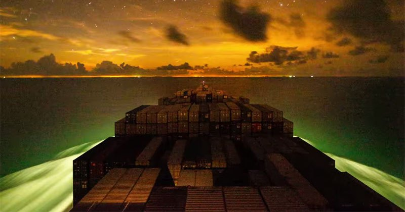 Timelapse Shows Container Ship's Incredible Journey from Vietnam to China