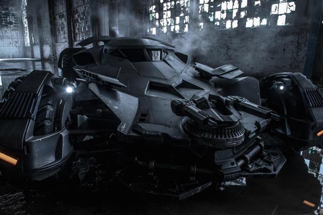 file_597822_batman-superman-batmobile