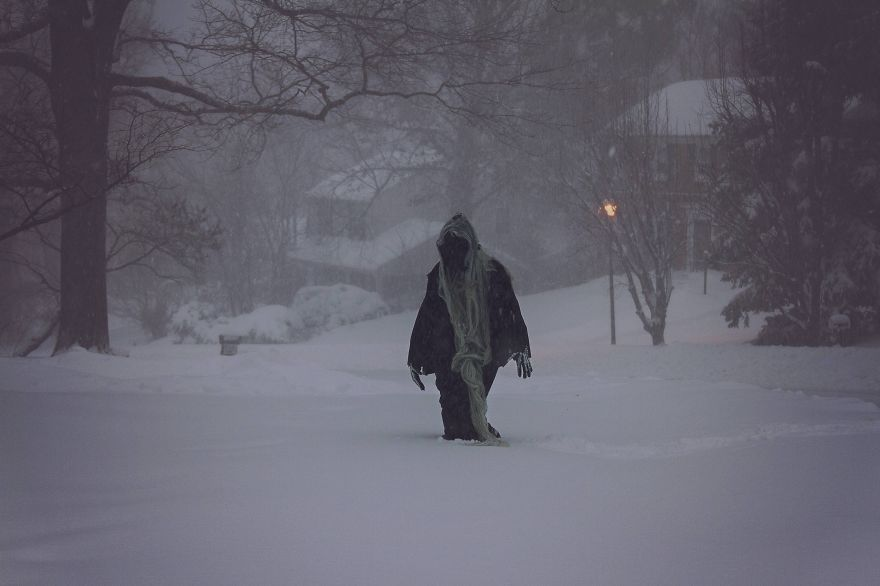 15-Pics-That-Perfectly-Capture-How-Insane-Blizzard2016-Is3__880