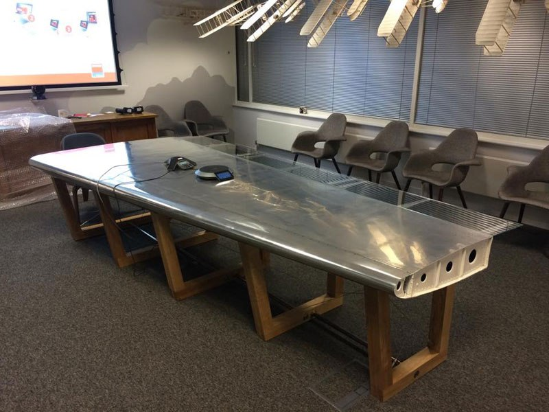 fallen-furniture-made-from-old-airplane-parts- (5)