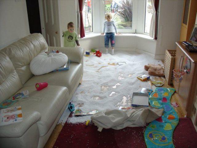 Hc3l2ADaTEiaLltrRruy_bad-kid-spilled-pillow
