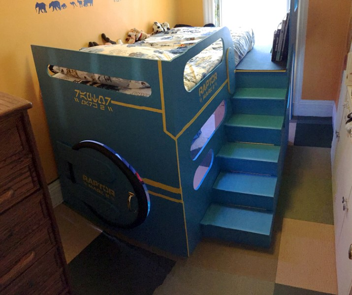 dad-builds-incredible-spaceship-control-room-beg-for-his-son
