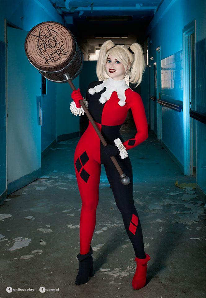 Enji Night's Harley Quinn Cosplay