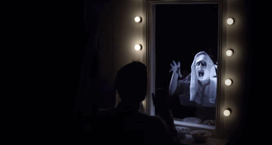 """The Conjuring 2"" Mirror Prank"